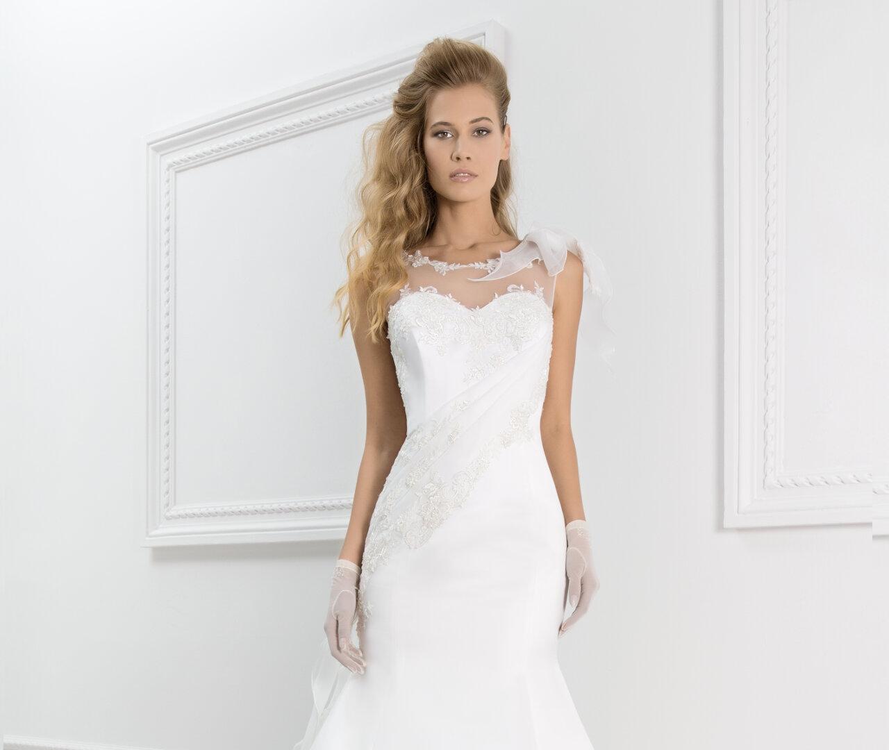 f41dd2f680b3 Abiti Da Sposa E Vestiti According to Cerimonia Eleganti E Raffinati