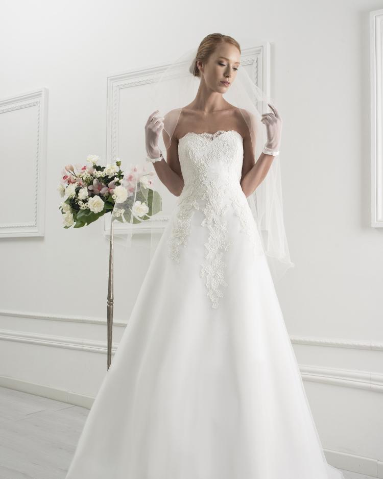 new style 8adbd 1fad6 Abiti da Sposa e Vestiti per Cerimonia Eleganti e Raffinati
